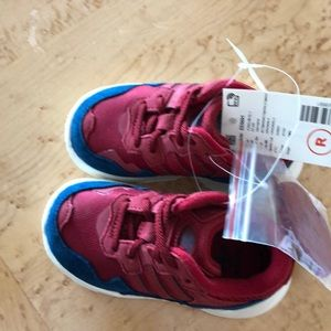 Adidas yung 96 toddlers size 6 NWT